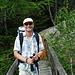 Auf der Holzbrücke über die Bondasca bei Laret