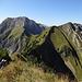 Mit viel Panorama über den Grat gegen den Tierberg