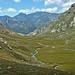Die Ebene von Serraglia, knapp unterhalb des Passo de Balniscio. Am Horizont Cima dei Cogn (3063m) und Cima Rossa (3161m)