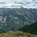 Tessiner Bergwelt über dem Val Verzasca, rechts der Pizzo di Vogorno (2442m)