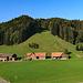 eine Typische Appenzeller Landschaft, hinten links ist Oberegg