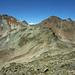 Links Piz Pischa (3138m), ganz rechts Piz Prüna (3153m), dazwischen guckt der Piz Languard hervor