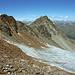 Der sehr morsche Piz Prüna, links Vorgipfel (3146m), rechts der Hauptgipfel (3153m)