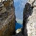 Bellacrête und Ausstieg aus dem Grand Vire kurz unter dem Gipfel der Gde Dt de Morcles; in der Talsohle Collonges - ein Tiefblick von 2500 m!