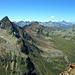 Aussicht vom Piz Prüna, von links Piz Languard (3262m), Piz Clüx (3128m), direkt dahinter Piz Muragl (3157m), ganz rechts Piz Vadret (3199m)