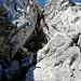 Blick zurück hinauf in den Kamin. In der unteren Bildhälfte der schwierigste Teil des Ganzen.