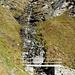Ponticello sul sentiero che scende a Juf