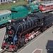 Historische Schienenfahrzeuge am Hauptbahnhof Kiew.