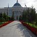 ... der Ak-Orda-Präsidentenpalast.