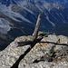 Ein etwas in die Jahre gekommenes Gipfelkreuz