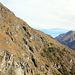Vue sur le flanc opposé du vallon où passe le sentier que j'utiliserai à la descente.