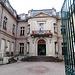 ein öffentliches Gebäude (Mairie)