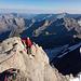 Am luftigen Gipfelgrat