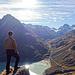Nach kurzer Zeit am Wanderweg geht beginnt der steile Aufstieg über Grasschrofen. Blick ins Ochsental mit Piz Buin.