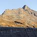 Hoher Rad in der Abendsonne, beschriftete Staumauer mit neuem Klettersteig. Ist aber glaub noch nicht eröffnet.