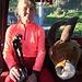 [u Ursula] mit dem einzigen, heute gesichteten, Steinbock in der Gondelbahn unterwegs
