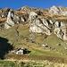 ab der Station Gaffia geht's über dem Beizchen Alte Hütte Alp Gaffia hoch ...