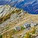 Unser Weg geht weiter. Ein Blick zurück auf die Alp Ribia während des Aufstiegs.