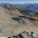 """Ausblick vom Rothorn: [u Sputnik] bezeichnete diesen See in einem ([http://www.hikr.org/tour/post603.html Bericht]) aus dem Jahr 2006 einst als """"einer der seltenst besuchten Plätze in den Alpen""""."""