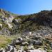Wegloser Abstieg zu den Seen, kommt in natura steiler rüber. Man hält sich am Besten etwas rechts und meidet die Senke.