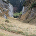 jetzt bin ich bereits bei der Alp Bogarten vorbei gegangen und beim Abstieg zur Alp Rheintaler Sämtis, - bei der Alp Bogarten muss ein wenig aufgestiegen werden um auf diesen Weg zu kommen.