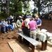 nun sind wir schon beim Marangu Gate 1970m, wir verabschieden uns von den Trägern und bekommen nochmals in den genuss von einem feinen Lunch als abschluss.