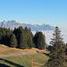 die Aussicht vom Parkplatz beim Berggasthaus Malbun hinüber zum Alpstein<br />