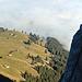 die Skihütte Gampernei aus dem Nord-Westgrat heraus fotografiert.