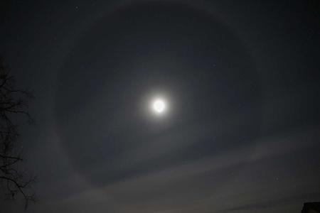 Am Vorabend der Tour zeigte der noch fast volle Mond ein perfektes Halo.
