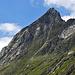 Bei einer früheren Tour fotografierte ich die Schlüsselspitze von der Johannishütte aus. Rechts über den Grat geht's hinauf.