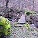 Steg über einen Seitenbach