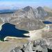 Gipfelblick mit dem Sonnesee (links) und dem Mondsee (rechts). Den Berg (Humboldt) hinter dem Mond machten wir auch noch, am nächsten Tag, aus Akklimatisierungsgründen, und weil es so schön war