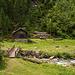 Hütte auf der anderen Bachseite im vorderen Etzlital