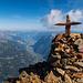 Weil es so schön ist, nochmals das Gipfelkreuz mit dem Urner Reusstal