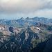 Blick über Bälmeten und Hoch Fulen zu den Liderner Gipfeln