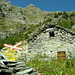 Alp de Broieta, mit Souvenir der einstigen Misoxerbahn