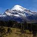 Citlaltepetl - or Pico de Orizaba - vom Westen. Refugio Piedra Grande liegt ungefähr am linken Bildrand, hinter dem Rücken, der vom felsigen Vorbau herunterzieht. Die Route über den Jamampa Glacier ist voll im Blickfeld.