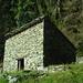 Die eigenartig konstruierte Hütte von Orgiò
