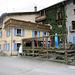 Unser Restaurant. bei wärmeren Temperaturen ist die Terrasse sicher vollbesetzt. Man hat einen tollen Blick auf den See, ins Bernina-Gebiet und natürlich auf die Bahnlinie.