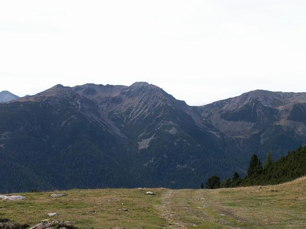 Blick auf den Genussgrat von der Leiterspitze zur Karnspitze (nicht im Bild) (Foto K. Ushakov)