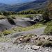 Im Aufstieg zum Monte Gorzano - Blick auf erodiertes Gelände neben unserem Weg.