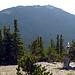 Squaw Mountain, vom Anstieg auf den Chief Mountain gesehen. Chief ist etwas höher als Squaw
