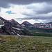 Bild von den drei Geissler Peaks, gesehen nach erfolgter Überschreitung, von der Schulter des Rimwrap Mountains, vor dem Abstieg ins Tal des Roaring Fork Rivers