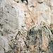 Schon im Aufstieg vom Rifugio Agostini kann man den Klettersteig in der Felswand von Cima Susat und Cima d'Agola erkennen: Metall, Metall. Metall.