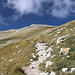 Im Abstieg vom Monte Camicia - Rückblick. Auch eine Farbmarkierung ist zu erkennen.