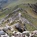 Im Aufstieg zwischen Vado di Siella und Monte Siella - Rückblick im steilen Gratabschnitt südöstlich des Gipfels.