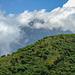 Blick - für ein paar Sekunden - zum Karisimbi, 4500 Meter hoch. [https://www.hikr.org/tour/post143198.html Bericht der Besteigung].