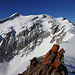 Eindrücklich - Felsberger vor dem flechten-verzierten Gipfel-Fels des Chilchli