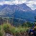 Anstieg zur Tuchila Hut. Blick auf den Chambe Teil des Massifs.