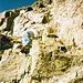 Hier überraschte uns der besagte Klettersteig, der nun die letzten fünfzig Höhenmeter über steile Platten hinauf zum Gipfel führt.